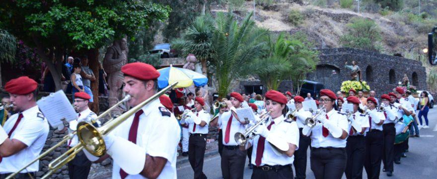 Agrupacion Musical y Majorettes en la fiesta de San Bartolomé en Guayadeque 2019
